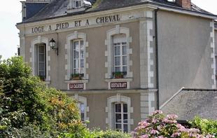HÔTEL LE RELAIS DE LA CALECHE - Saint-Denis-d'Anjou