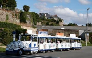 PETIT TRAIN TOURISTIQUE - LE CASTROGONTERIEN - Château-Gontier
