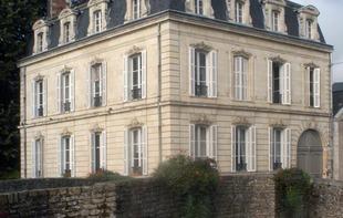 CHAMBRES D'HOTES LA DEMEURE DE L'ILE - Craon