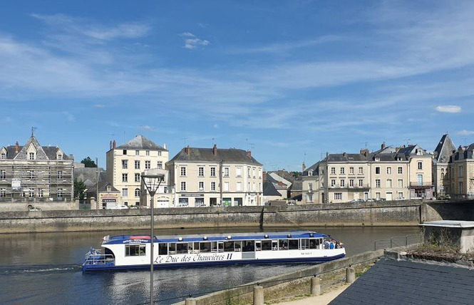 CHAMBRES D'HÔTES - AUX TROIS MOULINS 5 - Château-Gontier-sur-Mayenne
