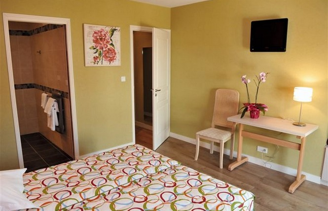 HOTEL RESTAURANT L'AMPHITRYON 12 - Coudray