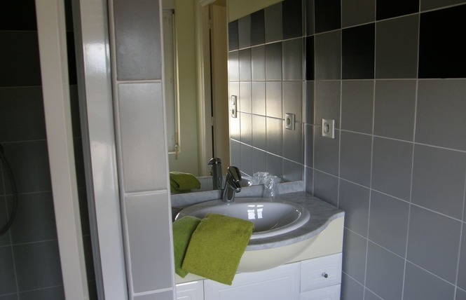 HOTEL RESTAURANT LE CAMELIA 6 - Ruillé-Froid-Fonds