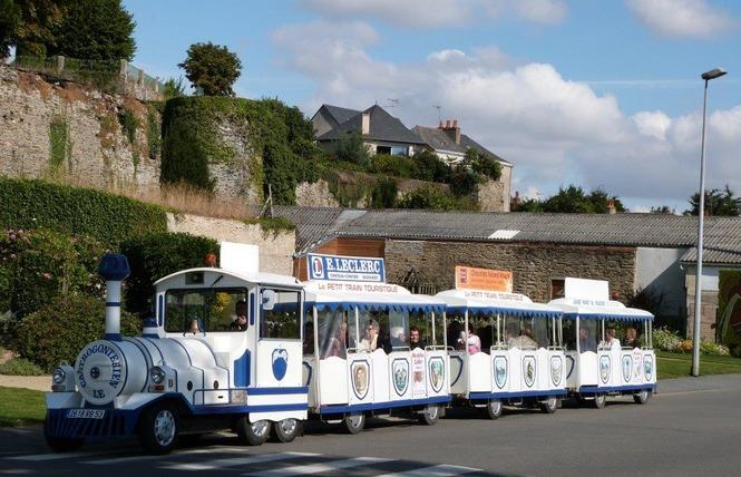 PETIT TRAIN TOURISTIQUE - LE CASTROGONTERIEN 1 - Château-Gontier-sur-Mayenne