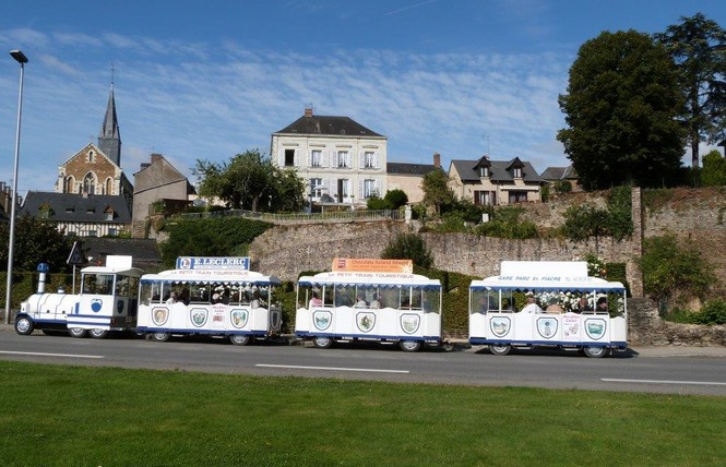 PETIT TRAIN TOURISTIQUE - LE CASTROGONTERIEN 4 - Château-Gontier-sur-Mayenne