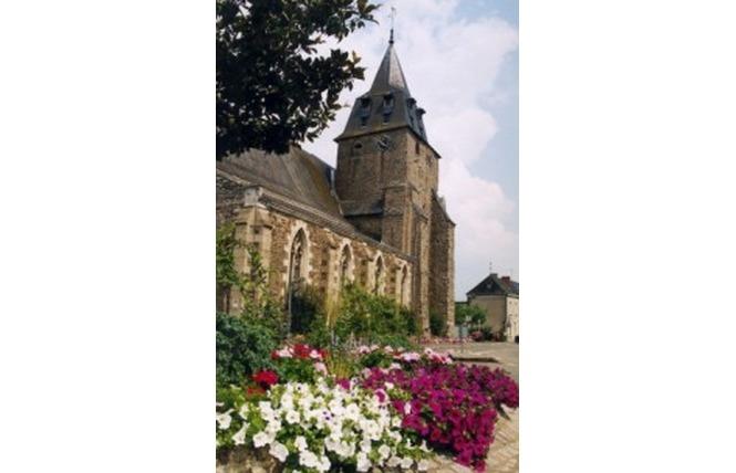 EGLISE SAINT MARTIN DE BAZOUGES 1 - Château-Gontier-sur-Mayenne