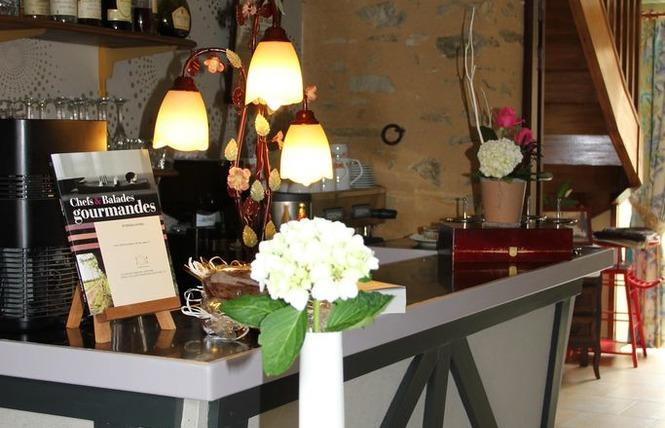 HOTEL RESTAURANT L'AMPHITRYON 13 - Coudray