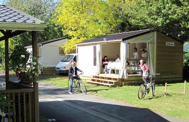 BUNGALOW TIT HOME N°2 1 - La Selle-Craonnaise